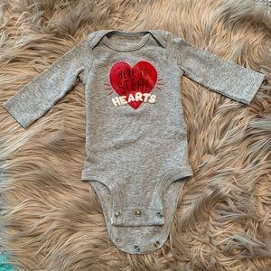 Carter's • Valentine's Day bodysuit onesie NB